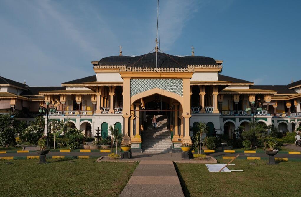 Istana Maimun Medan - Arsitektur Zaman Dulu,Namun Masih Keren Di Pandang